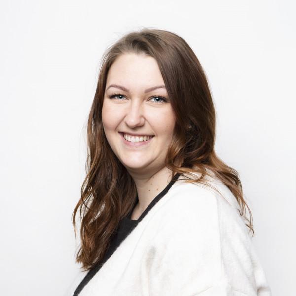 Leona Luukkonen - Premium Group